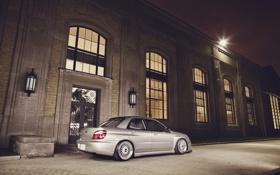 Картинка здание, окна, Subaru, Impreza, серебристая, субару, импреза