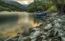 Картинка горы, река, лодка