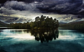 Картинка пейзаж, трава, небо, берёза, озеро, ливень, деревья