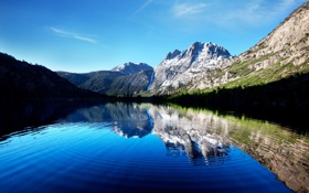 Картинка лес, небо, снег, круги, горы, озеро, отражение