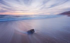 Обои песок, пляж, берег, камень, утро, море