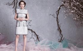 Картинка журнал, фотосессия, Emilia Clarke, Flare