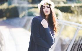 Картинка девушка, цветы, брюнетка, губы, венок