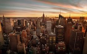 Картинка небо, город, Нью-Йорк, вертушка, США, Манхэттен, Эмпайр-стейт-билдинг