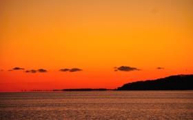 Обои море, небо, облака, закат, берег, зарево