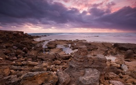 Обои закат, камни, берег, облака, океан