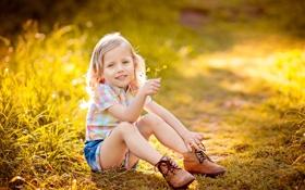 Обои счастье, улыбка, детство, ботинки, свет, радость, девочка