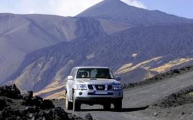 Обои горы, внедорожник, Nissan patrol