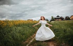 Обои дорога, поле, лето, свобода, девушка, настроение