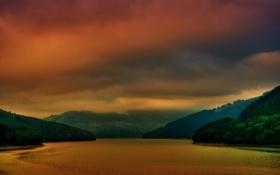 Обои озеро, туман, красный