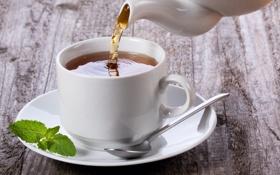 Картинка стол, дерево, чай, ложка, чашка, белая, листочки