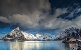 Картинка небо, снег, горы, берег, побережье, дома, Норвегия