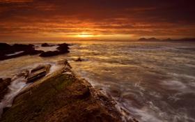 Картинка море, небо, облака, камни, рассвет, испания, spain