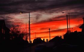 Картинка небо, облака, закат, город, улица, фонари, автомобиль