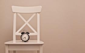 Картинка часы, минимализм, стул