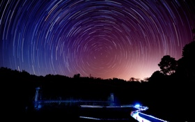 Картинка дорога, деревья, круги, ночь, огни, съемка, звездное небо