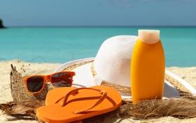 Обои песок, море, пляж, лето, отдых, шляпа, очки