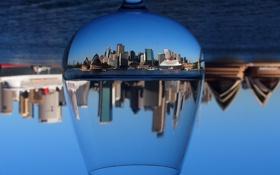 Картинка пролив, бокал, Сидней, небоскрёбы, перевёрнутый мир