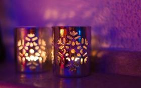 Обои свет, снежинки, тень, свечи, подсвечники