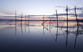 Картинка закат, пейзаж, озеро, сети