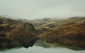 Картинка туман, озеро, холмы