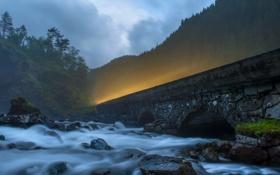 Обои пейзаж, река, дорога, ночь, мост, свет