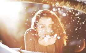 Обои зима, девушка, снег, снежинки