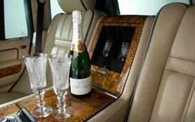 Обои бокалы, алкоголь, шампанское, салон, range rover, ренж ровер, ленд ровер