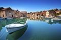 Картинка море, небо, берег, остров, дома, лодки, Хорватия