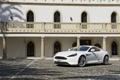 Картинка Aston Martin, Белый, Машина, Брусчатка, День, Здание, Астон Мартин