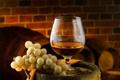 Картинка бокал, виноград, вино, макро, коньяк