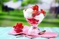 Картинка малина, клубника, ложка, мороженое, десерт, салфетка