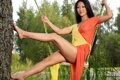 Картинка девушка, качели, ноги, платье, брюнетка, ножки, азиатка