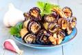 Картинка баклажаны, орехи, петрушка, чеснок, закуска, рулетики