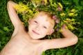 Картинка мальчик, счастье, радость, лето, улыбка, детство, венок