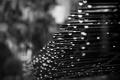 Картинка капли, фото, дождь, черно-белое, металлическая, арматура