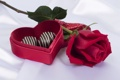 Картинка подарок, роза, шоколад, конфеты, красная, коробочка