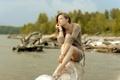 Картинка девушка, река, настроение