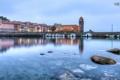 Картинка море, город, маяк, пристань, лодки