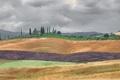 Картинка облака, поля, Италия, слои, Тоскана, фермы