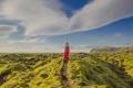 Картинка небо, девушка, красный, зеленый, голубой, ландшафт, платье