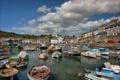 Картинка небо, облака, город, дома, лодки, гавань