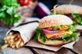 Картинка зелень, гамбургер, картофель фри, hamburger, fresh herbs, French fries