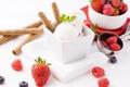 Картинка шарики, ягоды, малина, черника, клубника, мороженое, десерт