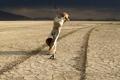 Картинка фон, пустыня, человек невидимка