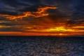 Картинка закат, облака, побережье, небо, зарево, море
