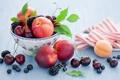 Картинка пиала, фрукты, натюрморт, нектарины, ягоды, абрикос, черешня
