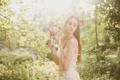 Картинка взгляд, девушка, букет, платье, невеста, венок