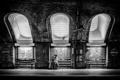 Картинка свет, метро, женщина, Англия, Лондон, окна, чемодан