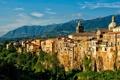 Картинка небо, деревья, горы, скалы, башня, дома, Италия
